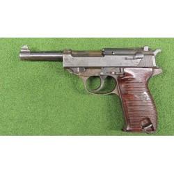 Pistolet Walther P-38 pozbawiony cech użytkowych